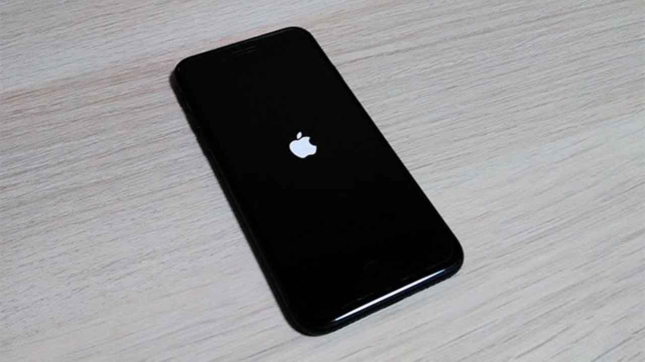 iPhone がリンゴループ・リカバリ不可能な状態に・・・故障への ...