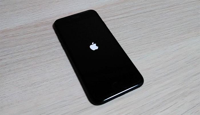 iPhone リンゴループ