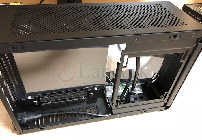 DAN Cases A4-SFX 内部GPU側