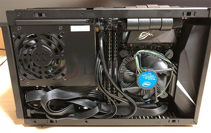 DAN Cases A4-SFX CPU側組み終わり