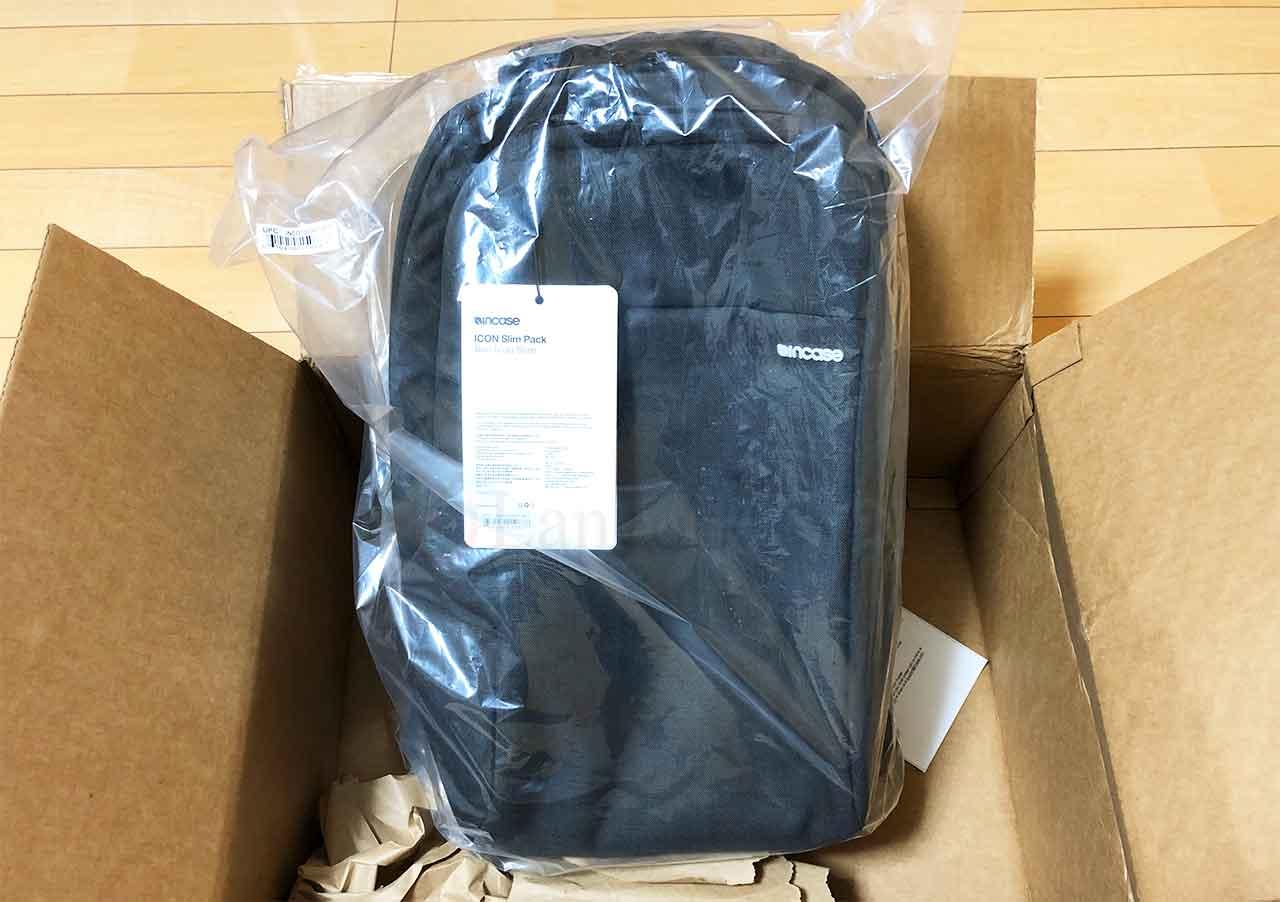 incase ICON Slim Backpack woolenex 段ボールで到着