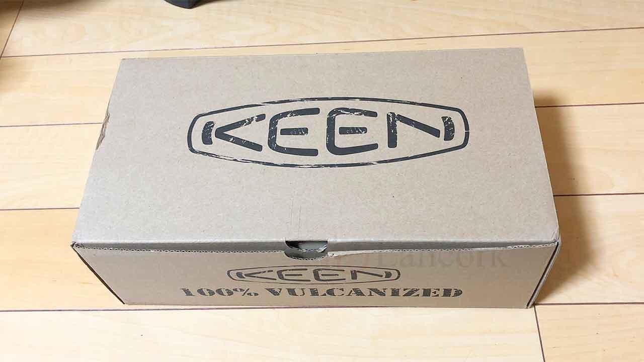 KEEN(キーン)のスニーカー「コロナド III」箱