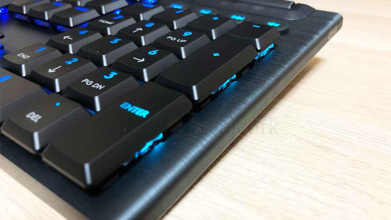 ロジクールのキーボード「G913」高級アルミボディ