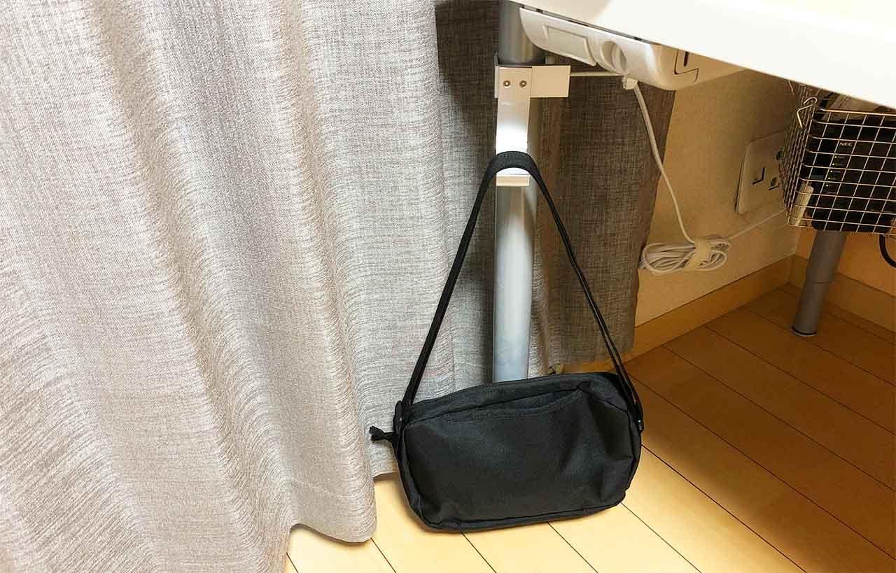 ATiC クランプ式ヘッドホンスタンド バッグも引っ掛けられる